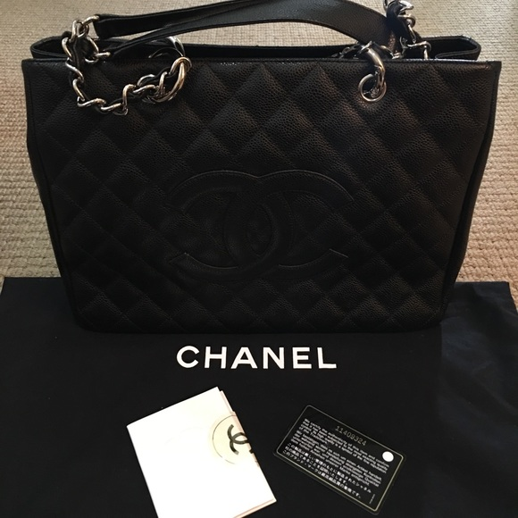 f58b009213b3 CHANEL Handbags - Authentic Chanel Caviar (GST) Grand Shopping Tote